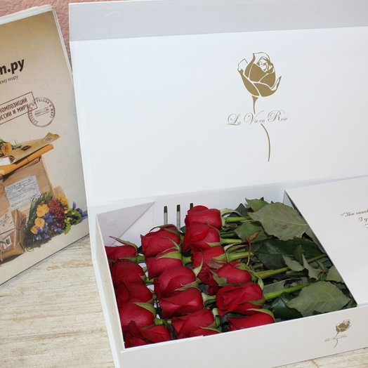 Неожиданный сюрриз: букеты цветов на заказ Flowwow