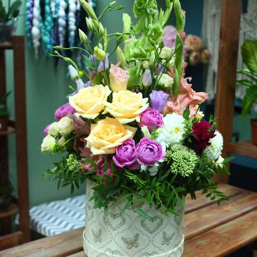 Коробка шляпная Кружево: букеты цветов на заказ Flowwow