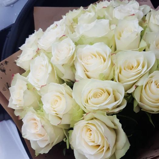 Букет из 23 белых кенийская роза: букеты цветов на заказ Flowwow