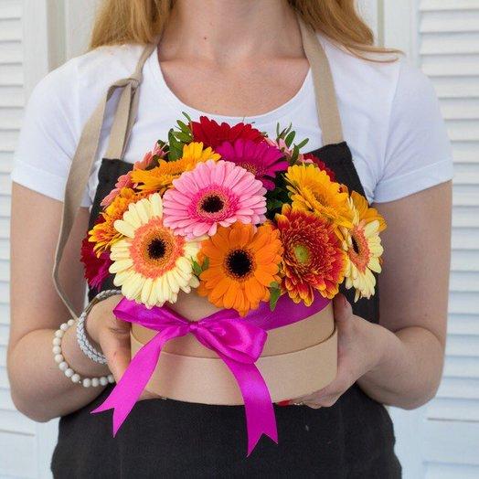 Шляпная коробка с 25 герберами: букеты цветов на заказ Flowwow