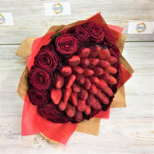 Букет. Красная Роза. Клубника. N42: букеты цветов на заказ Flowwow