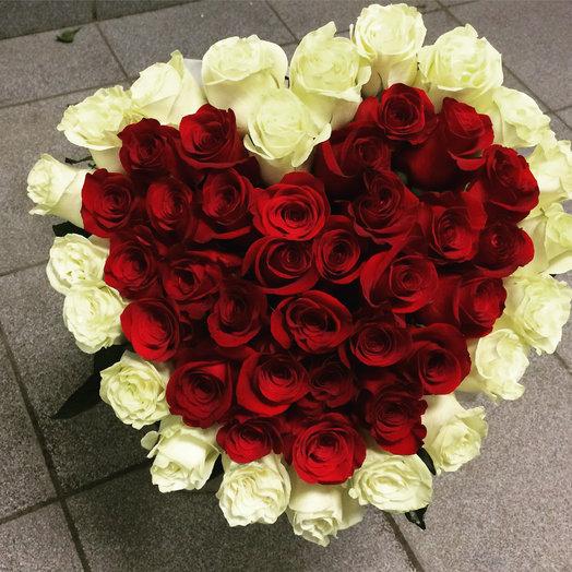 Сердце их 51 роз : букеты цветов на заказ Flowwow