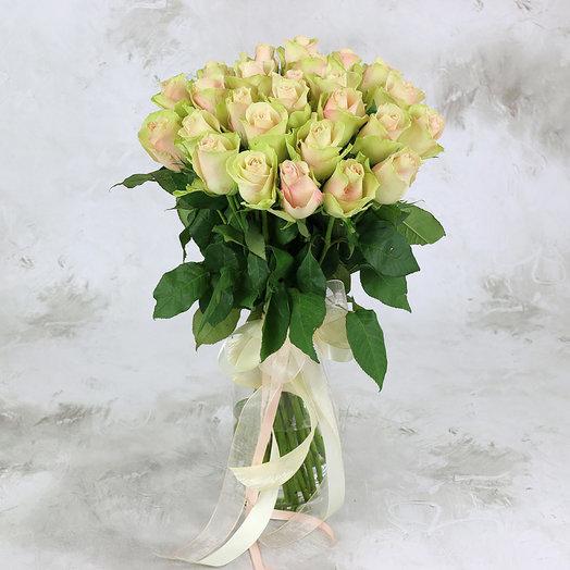 Букет из 25 розово-зеленых роз 40 см