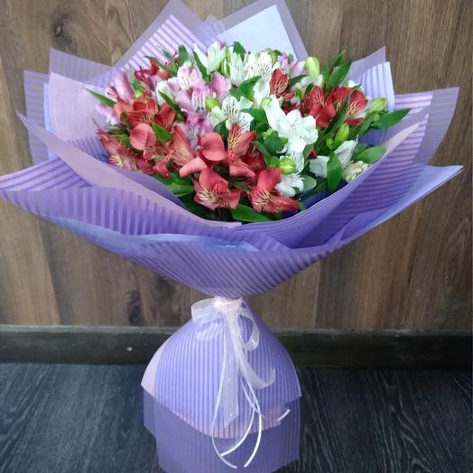 Альстромерия в букете: букеты цветов на заказ Flowwow