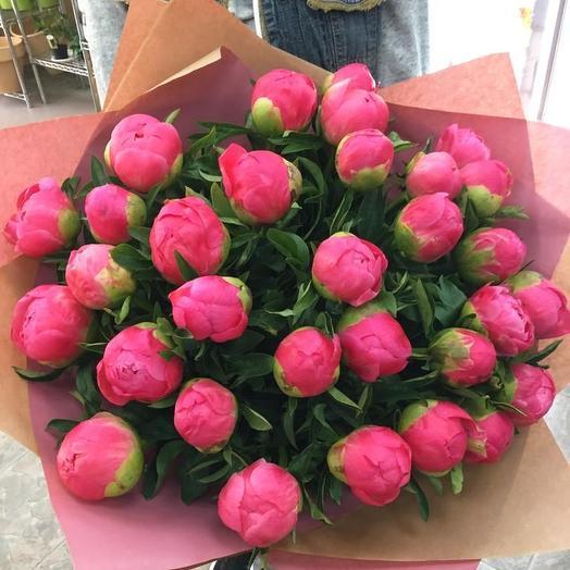 Букет с 31 Premium пионами: букеты цветов на заказ Flowwow