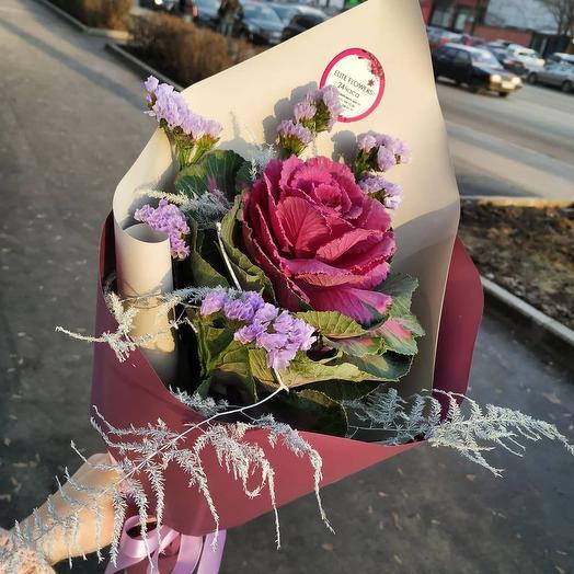 Стильный букет с брассикой: букеты цветов на заказ Flowwow