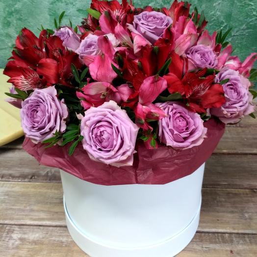 Розы и альстрамерия: букеты цветов на заказ Flowwow