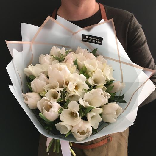 Тюльпаны с ароматной фрезий: букеты цветов на заказ Flowwow