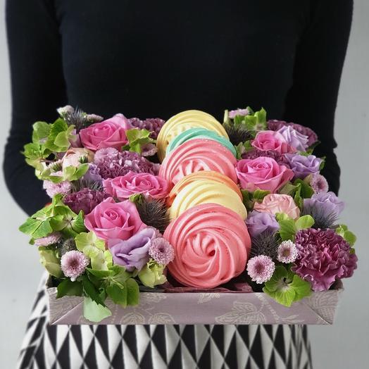 Коробка из роз и безе Вдохновение