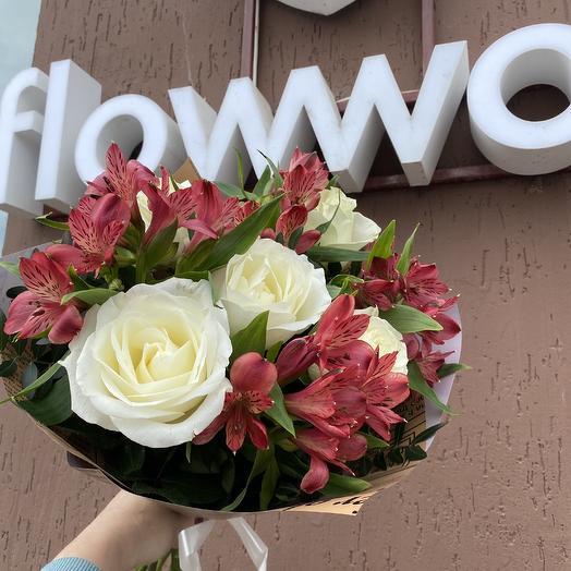 Букет из роз и альстромерии: букеты цветов на заказ Flowwow