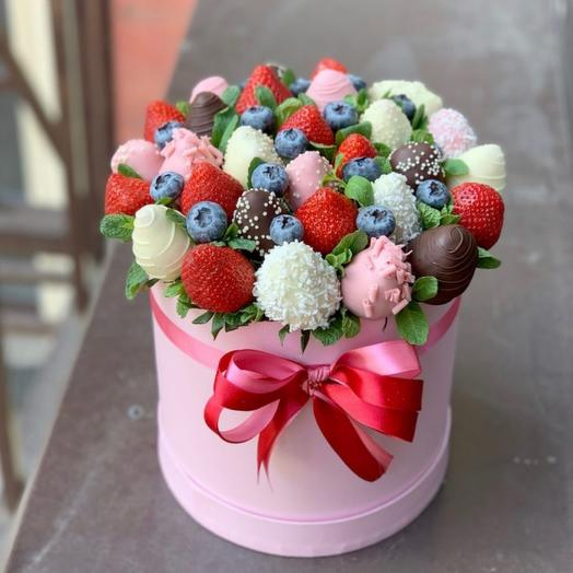 Букет из ягод «Ягодный десерт»: букеты цветов на заказ Flowwow