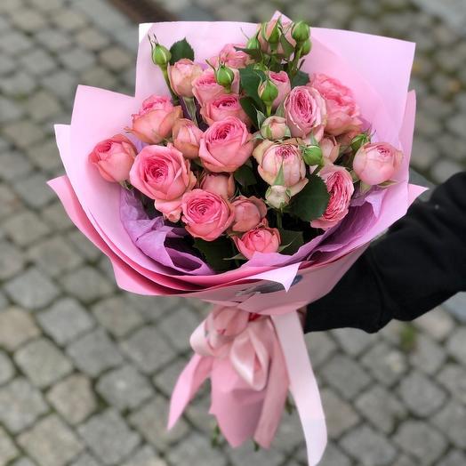 Моно из пионовидной кустовой розы