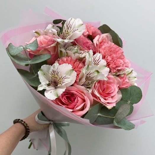 Букет с розами М