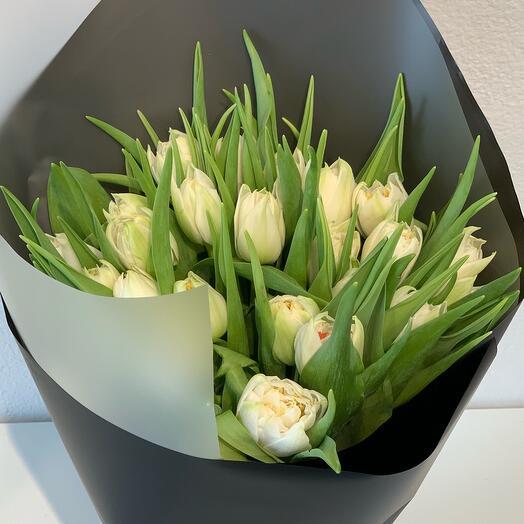Тюльпаны в чёрном