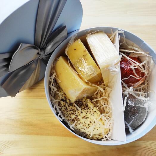 Подарочный набор элитных сыров номер 10