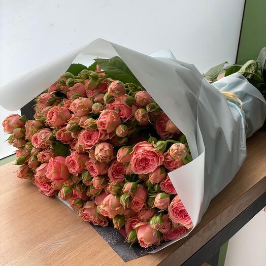 Пионовидная роза кустовая 11 шт