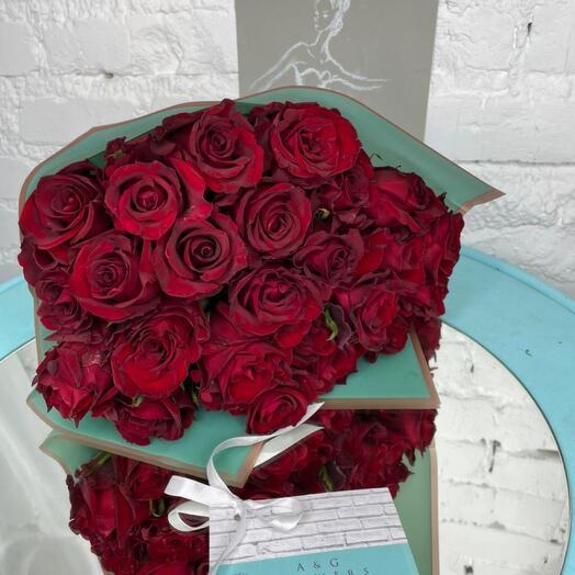 25 роз Бордо