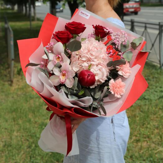 Букет Роз, Орхидеи Цимбидиум, Диантуса и Гортензии