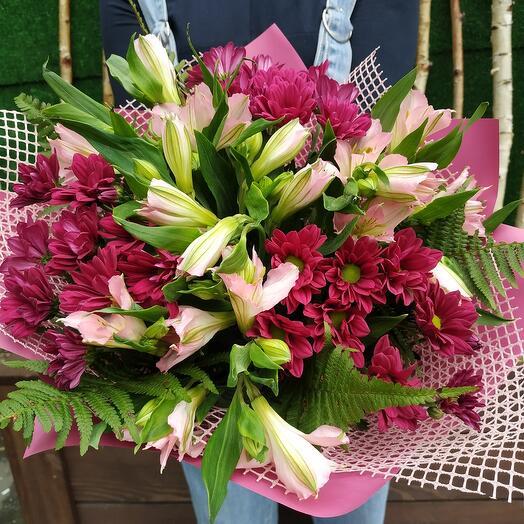 Букет с хризантемой, альстромерией Весна