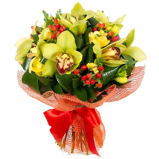 Букет с зеленой орхидеей и гиперикумом: букеты цветов на заказ Flowwow