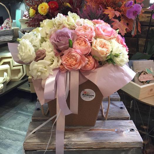 Букет в Коробке средний: букеты цветов на заказ Flowwow