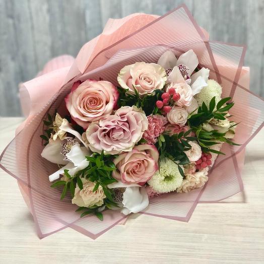 Love - сборный букет: букеты цветов на заказ Flowwow