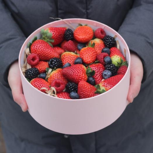 Сладкие ягодки: букеты цветов на заказ Flowwow