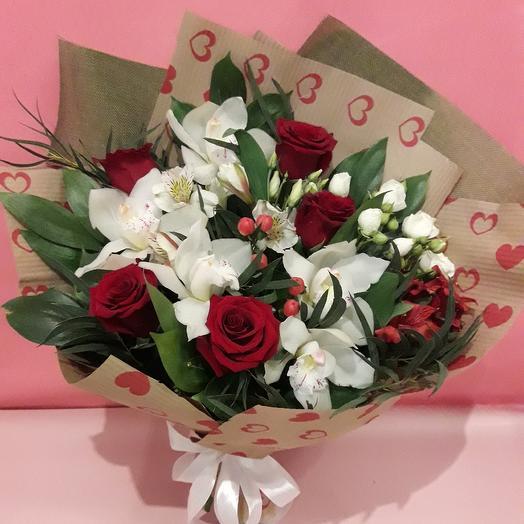 Сборный букет с орхидеей для мамы: букеты цветов на заказ Flowwow
