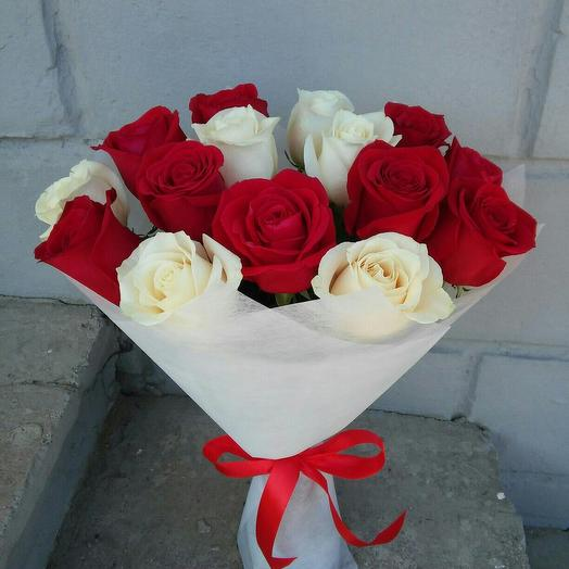 """Букет """"красно-белый"""": букеты цветов на заказ Flowwow"""