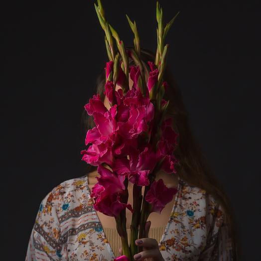 """Букет """"5 Малиновых Гладиолусов"""": букеты цветов на заказ Flowwow"""