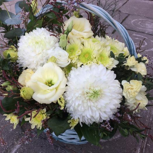 Корзина «Вайт найт»: букеты цветов на заказ Flowwow