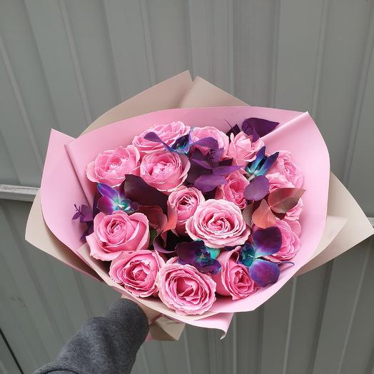 Розы с дендробиумом: букеты цветов на заказ Flowwow
