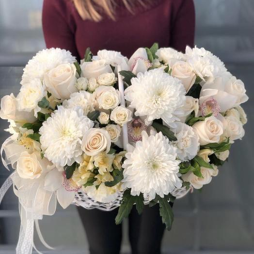 Корзина с орхидеей: букеты цветов на заказ Flowwow