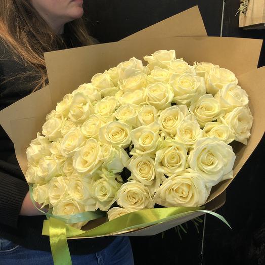 Белая роза 51 шт