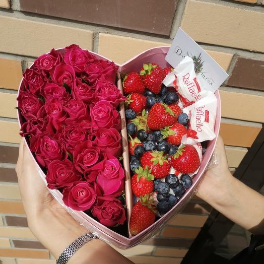 Сердце с ягодой