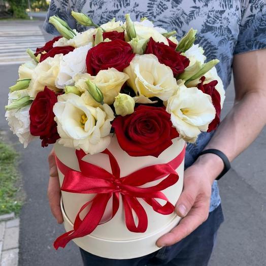 Сборная коробка с розами и эустомой
