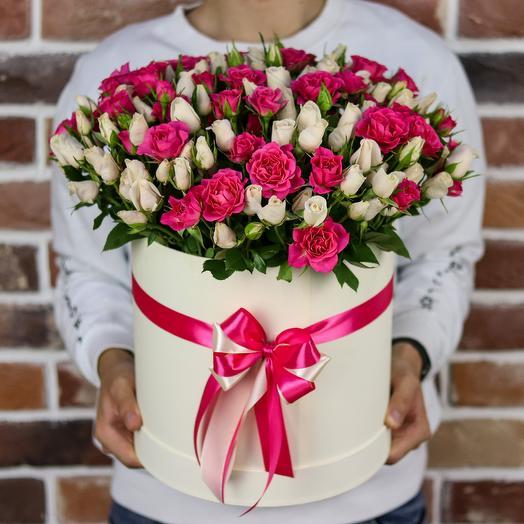 Шляпная коробка из 51 кустовой розы. N839
