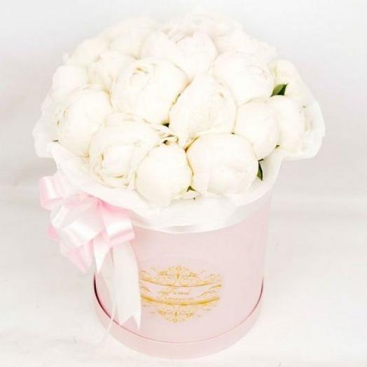 Цветы в коробке Шарлотта