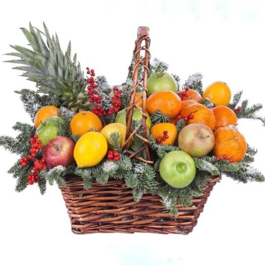 Корзина с фруктами Зимняя сказка
