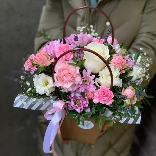 Цветы в крафтовом пакете