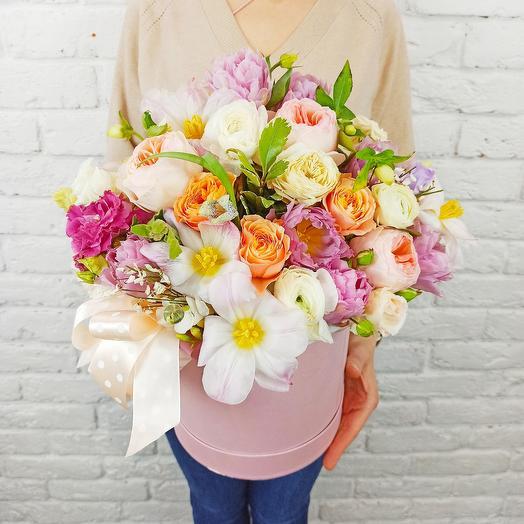 """Цветы в коробке """"Воздушный Крем"""""""
