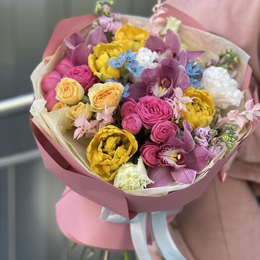Букет Тутти Фрутти из тюльпанов, цимбидиума, оксипиталума, роз и маттиолы