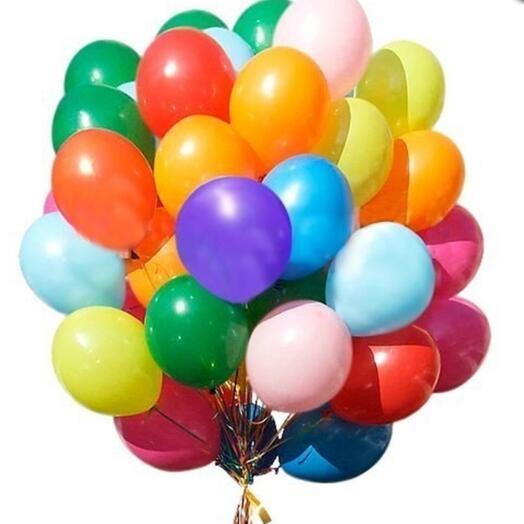 Фонтан из 50шт разноцветных шариков