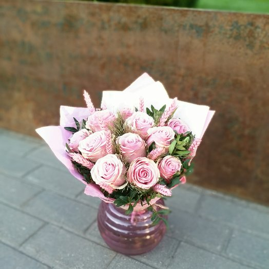 11 роз и 13 колосков: букеты цветов на заказ Flowwow