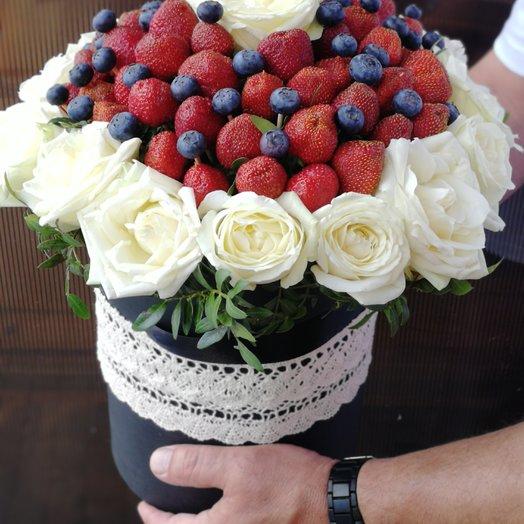 """Коробка с"""" изюминкой"""": букеты цветов на заказ Flowwow"""