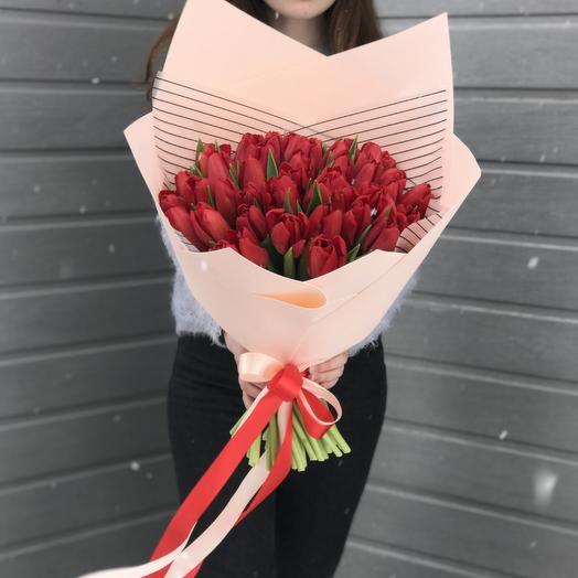 Весенний поцелуй. 51 тюльпан