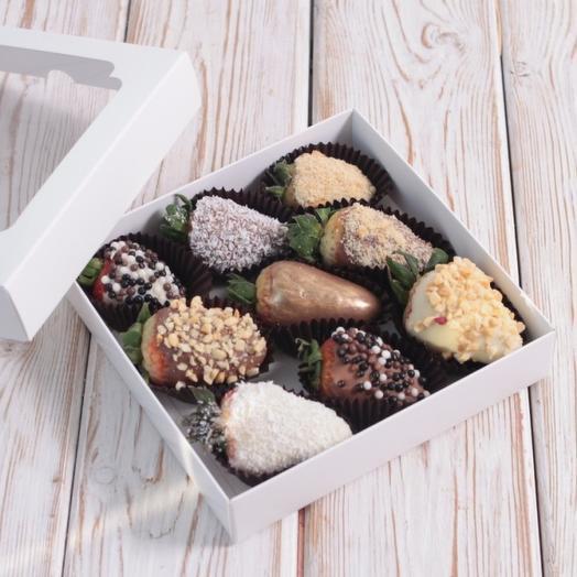 Клубника 9шт в Бельгийском шоколаде: букеты цветов на заказ Flowwow