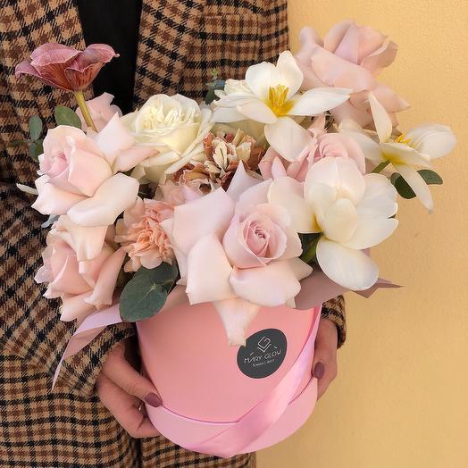 Коробочка Ванильное безе: букеты цветов на заказ Flowwow