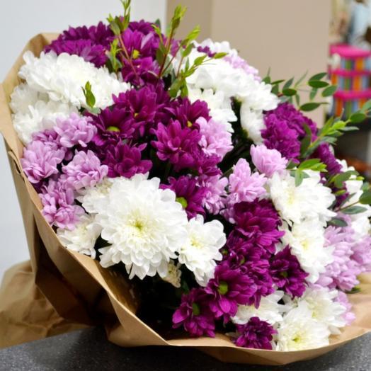 Комплимент из хризантем: букеты цветов на заказ Flowwow