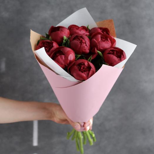 Букет винных пионов Ред Шарм: букеты цветов на заказ Flowwow